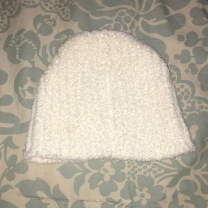 *FREE W/BUNDLE* NWOT Cream Fleece Beanie